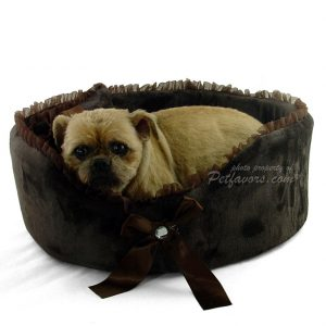 Crystal Bow Pet Bed - Chocolate