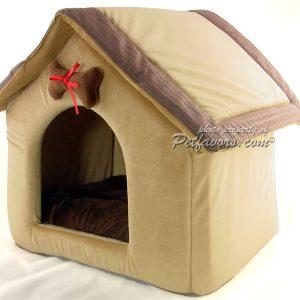 Eddie's Coffee House Pet Bed