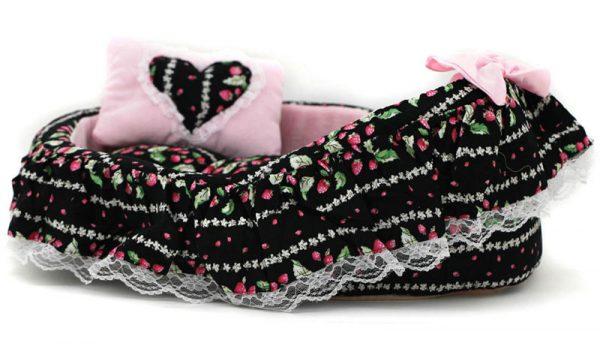 Strawberry Fields Pet Bed